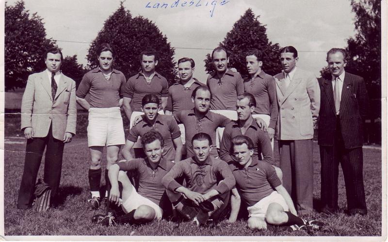 Hinten von links: Kruskop, Probst, Wienecke, Döppe, Heinz Klinke, Hans Schomerus, Kloth, Thilmann Vorne von links: Voss, Fritz Klinke, Reinert, Thilmann, Duwendack, Deike